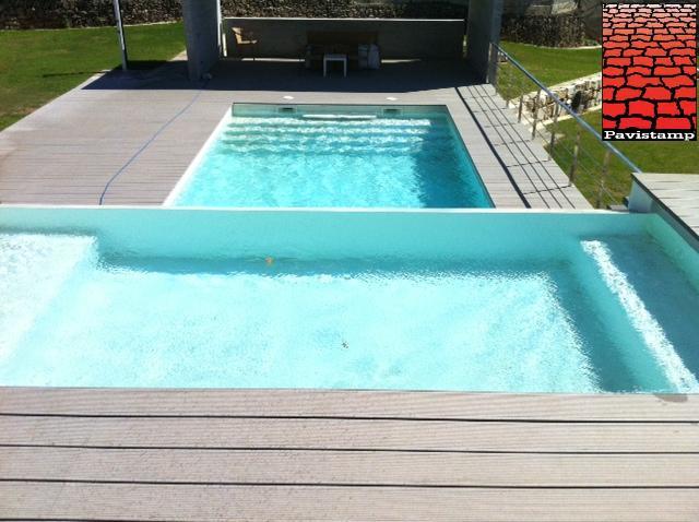 Adel ntate al verano jard n piscinas con hormig n for Hormigon impreso para piscinas